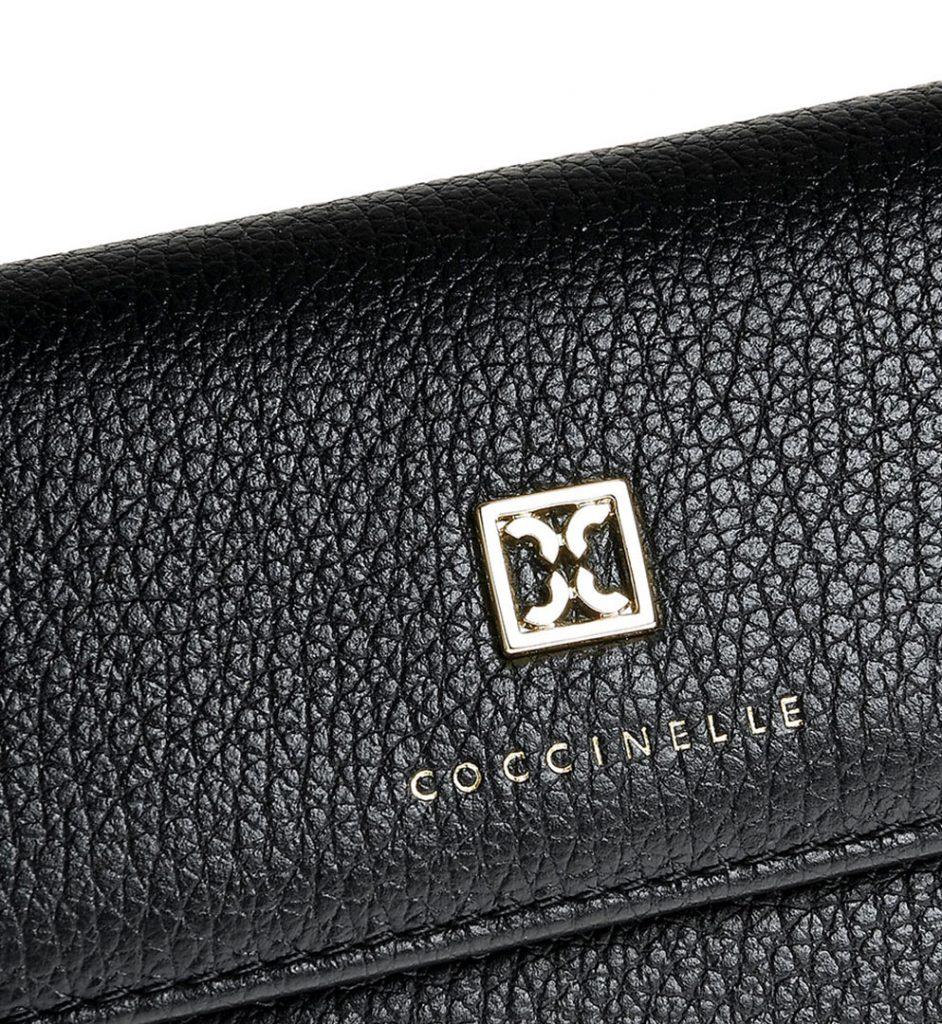 Portofel piele neagra cu logo metalic auriu aplicat