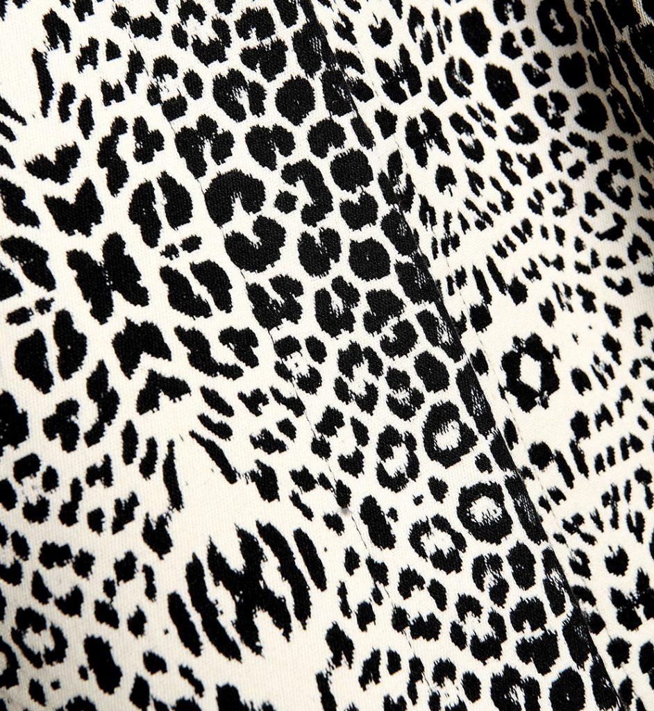 Sacou cu imprimeu alb cu negru specific